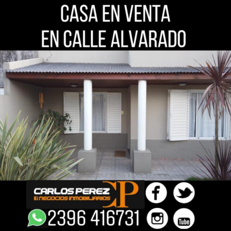CASA DE 2 DORMITORIOS EN VENTA SOBRE CALLE ALVARADO, CARLOS CASARES