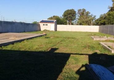 GRAN LOTE CON CONSTRUCCIONES SOBRE CALLE CORDOBA